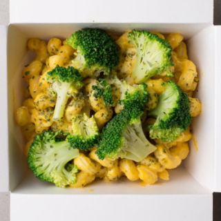 broccoli pesto mac n cashew cheese